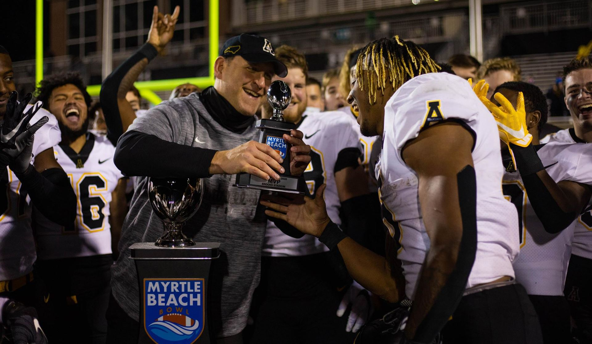 Peoples Runs Wild as App State Improves Bowl Record to 6-0