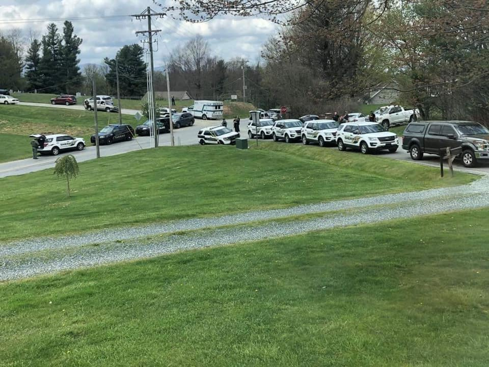 5 dead, including two Deputies, after stand-off on Hardaman Circle