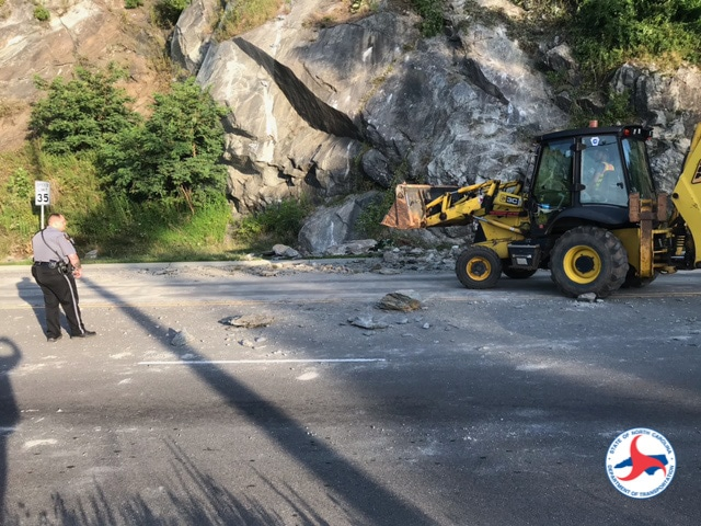 Minor rockslide closes section of 321 on Thursday morning